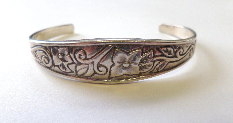 vintage sterling silver cuff bracelet engraved flower design. Black Bedroom Furniture Sets. Home Design Ideas