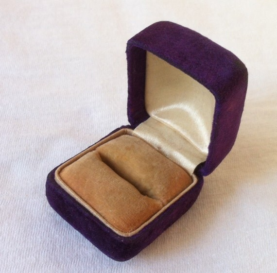 Vintage Purple Velvet Ring Box Jewelry Wedding By LucyLucy9