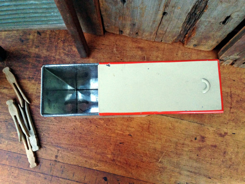 Old hanser 39 s tin borax soap flakes dispenser 1930s - Soap flakes dispenser where to buy ...
