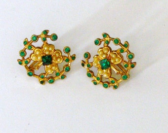 coro green 4 leaf cover and pearls screw back earrings
