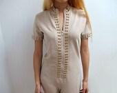 Vintage 70s Playsuit Jumpsuit Onesie Nude Neutral Gold Buttons Zipper Stirrup Size Medium