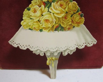 Gorgeous unused 1910's Germany M&B place card or decorative die cut  gold gilded colorful bouquet of yellow roses