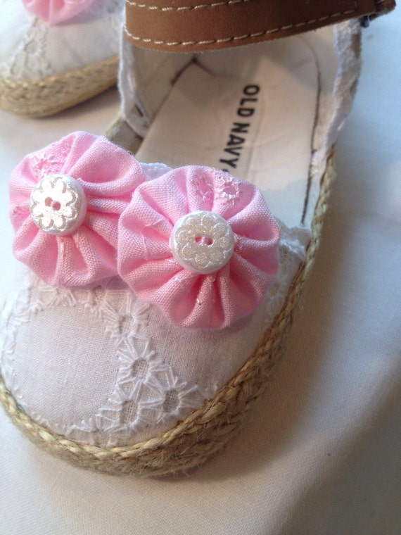 Baby Shoes White Eyelet size 6 12 Months by
