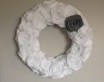 White Felt Rosette Wreath. Felt flowers. Felt Winter Wreath. Christmas Wreath.Front Door Decor. Door Hanging. Wall Hanging. Custom Wreath