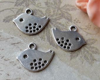 12 x 15 mm Cute Tibetan Silver Little Bird Charm Pendants (.tu)