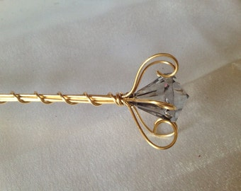 Princess Wand Grey Diamond Centred Jewel - Gold Wire Wand