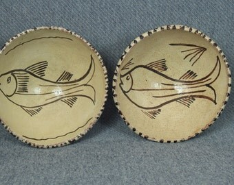Mexican Pottery Footed Bowls, Fish Design, Vintage, Cream and Brown