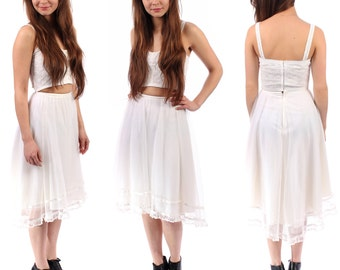 WHITE MESH Full Skirt . White Tulle Wedding Tu Tu Vintage Reconstructed Ruffled Layered Midi Hi Low Bohemian Summer  Retro Beach  . XS to S