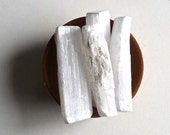 RAW SELENITE wand, stick, layout natural