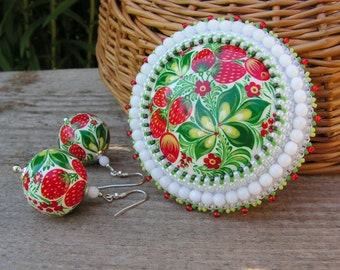 Bead embroidered Brooch Beadwork Brooch Strawberry Brooch White Red Green Brooch Hand Painted Brooch Bead embroidery jewelry MADE TO ORDER