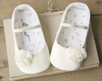 Baby baptism shoes, baby girl IVORY or WHITE christening shoes, baby wedding outfit, flower girl shoes, newbor gift, toddler girl shoes