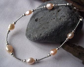 Peach freshwater pearl & sterling silver bracelet