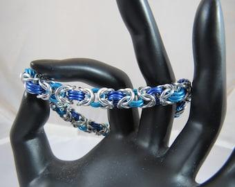 Frozen byzantine bracelet with silver toggle clasp