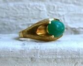 Retro Vintage 19K Yellow Gold Jade Ring.