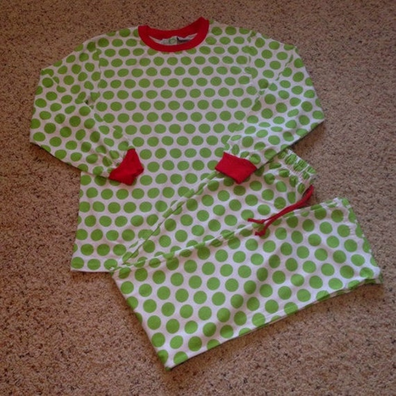 Both Silhouette Cameo and Cricut small business crafters can use heat transfer vinyl and their machine to easily customize blank pajamas. Every year, I get emails asking where to buy Christmas themed pajamas.