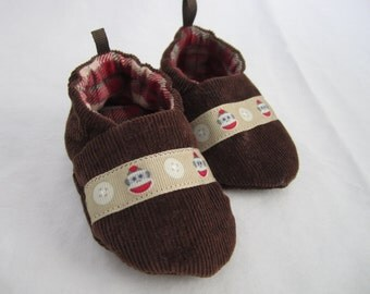 sock monkey baby shoes, soft sole, reversible crib shoes, booties