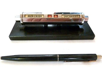 French vintage perpetual desk calendar with black marble base