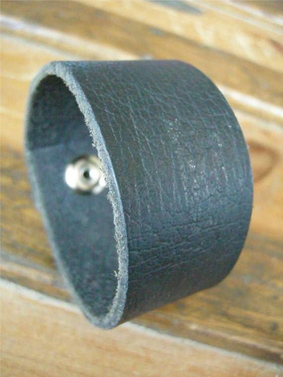 Mens Black Leather Cuff Texture Tough Bracelet with Snap