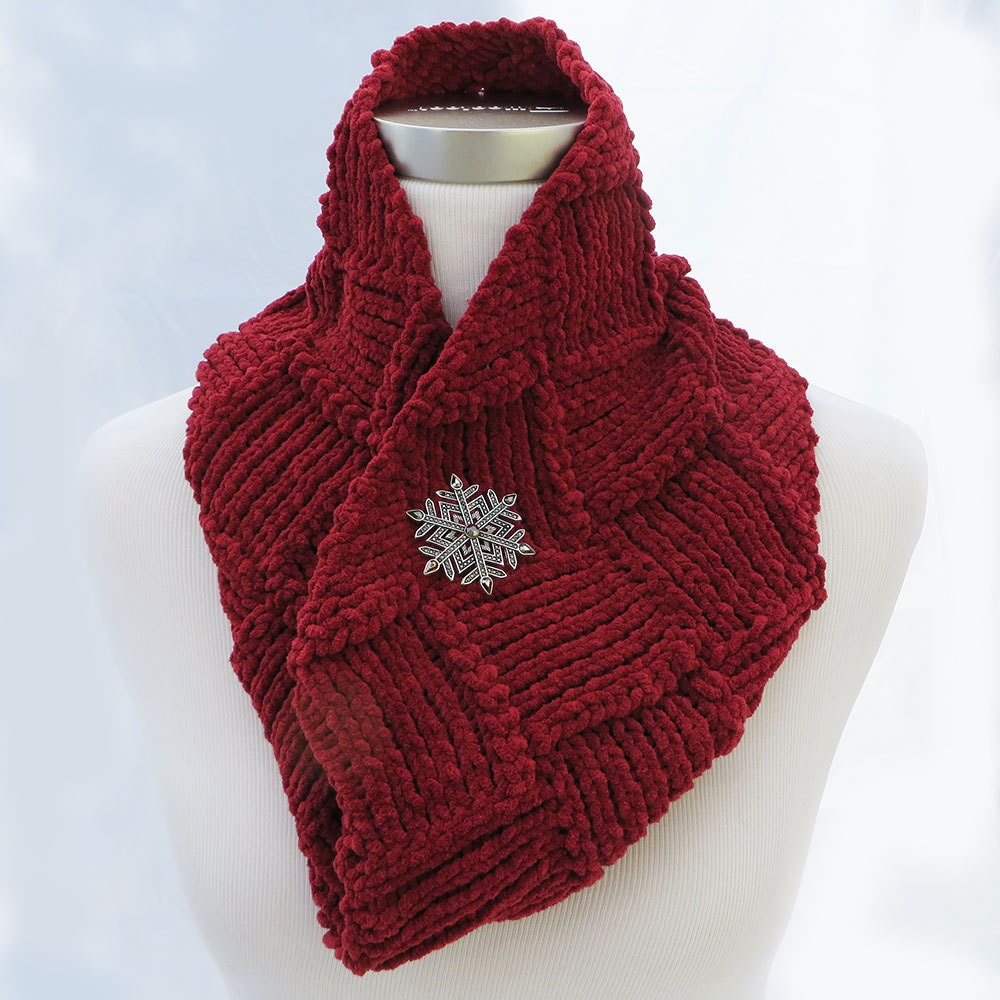 knit infinity scarf in