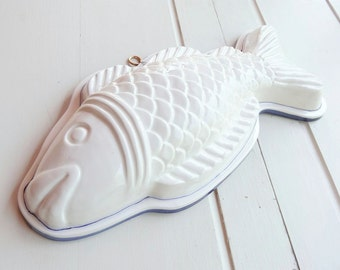 Vintage Ceramic Fish Mold Blue and White Kitchen Decor Wall Hanging Knobler Japan