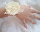 Bracelet, Wedding Jewelry, İvory Bridal Bracelet, Cuff Bracelet, Unique jewelry, bridesmaid gifts, Bridal accessories, Beaded  Bracelet