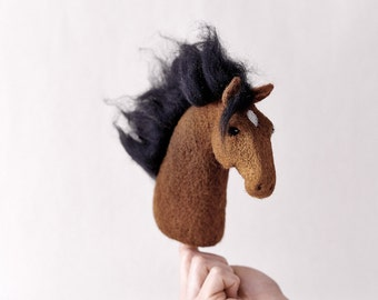 Needle Felted Horse // Horse Finger Puppet // Felted Horse // Felted Animal