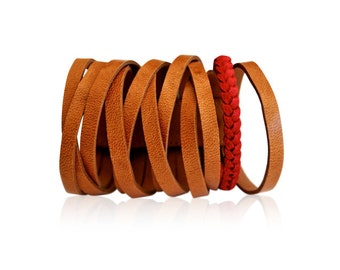 ESSENCE. Leather bracelet / cuff. Available in different leather colors.