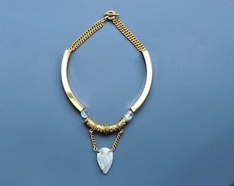 Gold Collar Necklace with Milky Quartz Arrowhead