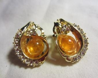 Pretty Vintage Yellow Plastic Beaded, Rhinestones and Gold Tone Clip On Earrings // Vintage Earrings