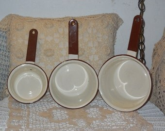 Set of 3 Vintage Enamel Cooking pans :)S