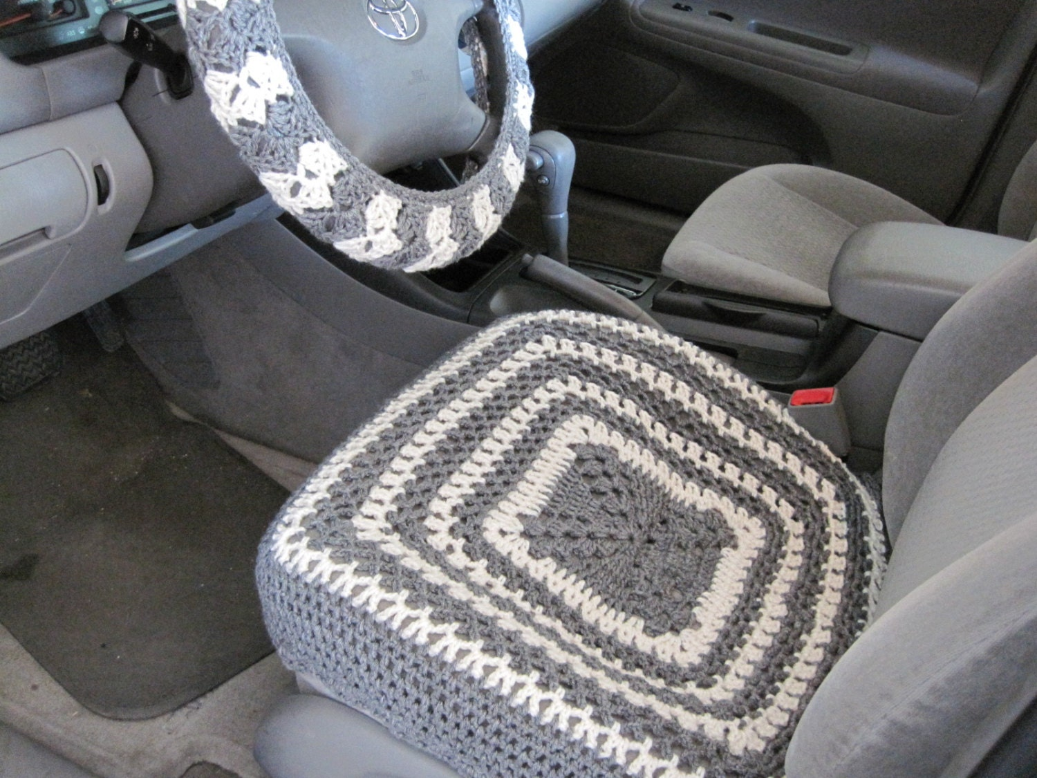 crochet car front seat cover aran grey heather ccfsc1a. Black Bedroom Furniture Sets. Home Design Ideas