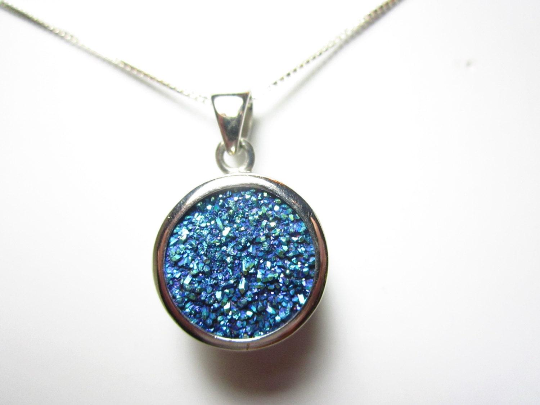 chinese cassiopeia drusy quartz pendant