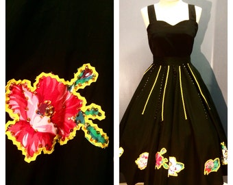 BLACK ROSE 1950's Incredibly Luxe Mexican Wrap CIRCLE Skirt w Yellow Ric Rac, Sequins & Gorgeous Rose Appliques in Blue and Red Xs, Sm, Md