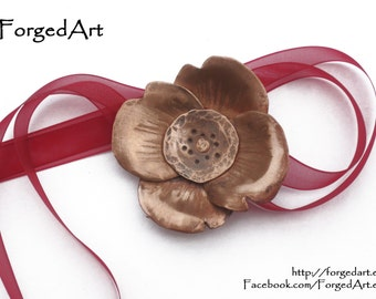 Small Copper Poppy Sculpture. Metal art, hammered copper flower, hanging decoration, objet d'art. One off piece.