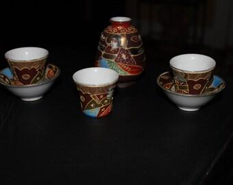 Japanese Lithophane Porcelain Sake Container  Cup w/ Saucers – Geisha Women