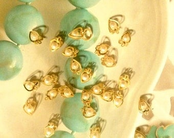 16 Goldplated Heart Cages with Pearl