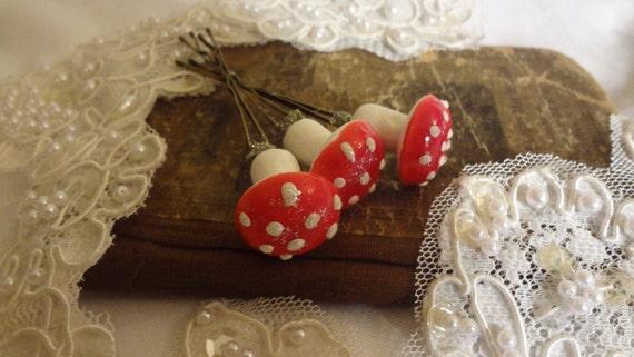 Woodland Fairy Mushroom Bridal Bobby Pins, Red and White Mushroom Bridal Hair Accessory, Mori Girl Mushroom Hair Pins  Bertha Louise Designs