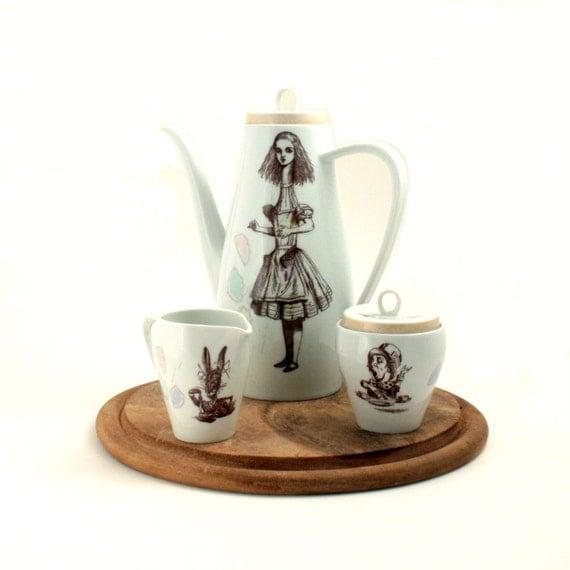 Sale Alice In Wonderland Teapot Set Long Altered Lewis
