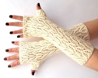 SALE - 50%OFF. White Knit Fingerless Gloves. Lace Knit Glove. Knitted Wrist Warmers. Wedding Gloves. Knit Mittens. Hand Knit Gloves.