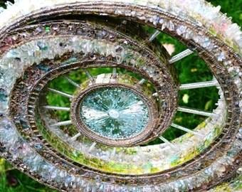Mosaic art, mosaic sculpture & mosaic Lamp, Glass sculpture - Catalyst
