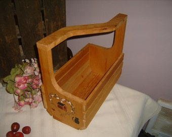 Off Set Wooden Basket - Farmhouse Country -