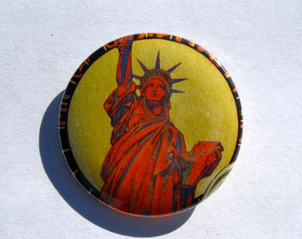 Statue of Liberty New York America USA Vintage Style 1.25'' Pinback Button or Magnet