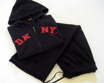 SUMMER DKNY Short Sleaved Workout Set - Authentic Designer DKNY - Woman's Size Medium Workout Set - Black Designer Active Wear Sweat Suit
