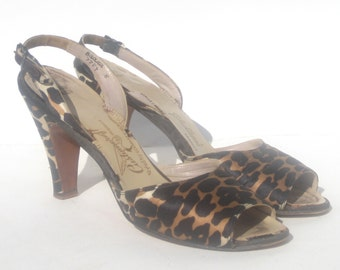 size 8 AAAA / 1940s leopard print slingbacks