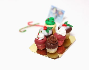 Miniature Christmas Cupcakes-Dollhouse 1:12 scale miniatures