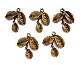 10 Antique Bronze Leaf Charms - 30-7-2