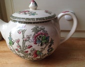 A beautiful vintage Indian Tree tea pot by Johnson Bros