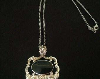 Vintage Black Cabochon Filigree Necklace