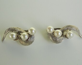 Vintage 14K and Pearl Clip On Earrings