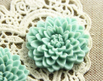 12 pcs of resin chrysanthemum flower 33mm -0481-47-38-powder blue